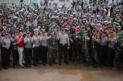 Hadapi Ancaman Demokrasi, TNI/Polri Harus Komit di Garis Terdepan Berantas Terorisme.
