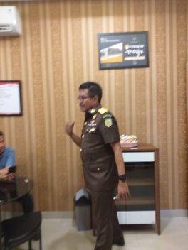 Kepala Badan Pendidikan dan Pelatihan Kejaksaan Republik Indonesia (Kaban Diklat), Setia Untung Arimuladi: Dengan Kantin Kejujuran, Hidupkan Kejujuran.