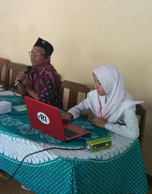 Ikatan Sarjana Rakyat Indonesia-ISRI-Pola Doktriner Sudah Kurang Pas, Indonesia Butuh Pancasila Yang Aplikatif.