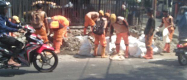 Warung Mi Gomak Mardongan Rawa Sari Digusur Lurah, Gubernur Anies Harus Tindak Tegas Bawahannya.