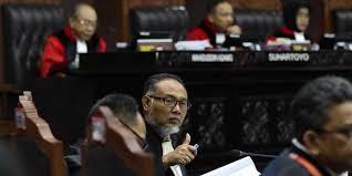 Gugatan di MK Adalah Bagian Komunikasi Politik, Kedua Kubu Sama-Sama Mencintai Indonesia.