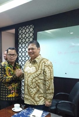 Masih Juara Dua Perolehan Suara Pemilu, Relawan Banten Dukung Airlangga Hartarto Dua Kali Ketum Golkar.