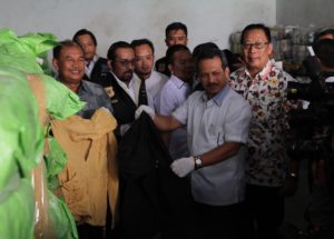 Dilapori Warga, Turun ke Bandung, Kemendag Amankan 551 Bal Pakaian Bekas Impor Ilegal.