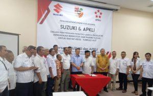 Rakyat Kecil Kepengen Miliki Motor, Mobil dan Mesin Kapal Dengan Mudah PKL Teken Kerja Sama Dengan PT Suzuki.