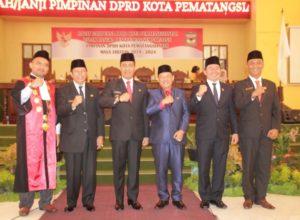 Pengambilan Sumpah Pimpinan Defenitif DPRD Siantar, Timbul Sah Jadi Ketua, Mangatas dan Ronald Jadi Wakil Ketua
