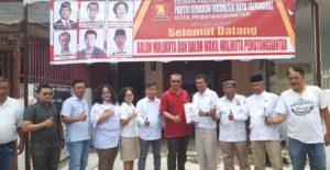 Tim Bappilu Gerindra Siantar bersama Tim Pemenangan Alpeda Sinaga (Sinar Keadilan/AS)