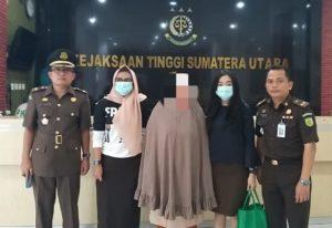 Buronan Kejati Sumut Sempat Melarikan Diri Ke Singapura dan Kotacane Aceh, Perempuan Pemalsu Ini Diciduk Di Rumahnya di Medan Johor.