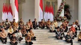 Pakar Komunikasi Politik Universitas Pelita Harapan (UPH) Dr Emrus Sihombing: Susunan Menteri dan Wamen Sudah Rampung, Kabinet Indonesia Maju Bagai Orkestra Keindonesiaan.