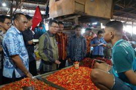 Pemantauan Harga dan Pasokan Harga Barang Kebutuhan Pokok (Bapok) Kementerian Perdagangan (Kemendag), oleh Direktur Jenderal Pengembangan Ekspor Nasional, Dody Edward di Kupang, Nusa Tenggara Timur, Kamis (21/11/2019).