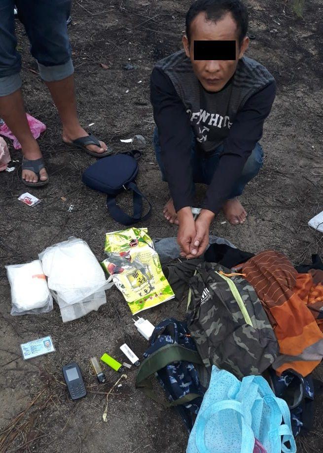 Bawa Sabu 1,5 Kilogram Dari Malaysia, Seorang Pekerja Migran Indonesia Ilegal Ditangkap Polisi Setibanya di Batam.