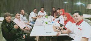 Ketua Umum Dewan Pimpinan Pusat Badan Komunikasi Nasional Desa Se-Indonesia (BKNDI), Isra A Sanaky dan Dr Yusuf Yambe Yabdi yang merupakan Dewan Pakar Badan Komunikasi Nasional Desa Se-Indonesia (BKNDI), dalam jumpa pers, usai Rapat Terbatas DPP BKNDI, yang digelar di Hotel Rivoli, Jalan Kramat Raya, Senen, Jakarta Pusat, Sabtu malam (17/11/2019).