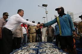 Bertemu Menteri, Nelayan Tradisional Serahkan Sembilan Desakan Kepada Edhy Prabowo.