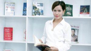 Ketua Umum Dewan Pimpinan Nasional Perempuan Tani Himpunan Kerukunan Tani Indonesia (DPN Perempuan Tani HKTI), Dian Novita Susanto: Peranan Nyata Sebagai Kekuatan Ekonomi Tak Terbantahkan, Pemerintah Jangan Abai Kepada Perempuan Petani.