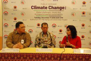 Seminar Climate Change: Global Challenges, Issues, and Its Impacts Towards Sustainability di Auditorium Fakultas Kedokteran-Fakultas Kedokteran Gigi (FK-FKG), Kampus B Universitas Trisakti, Jakarta, Kamis (05/12/2019).