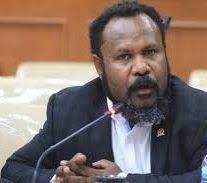 Warga Nduga Terus Ditembaki Aparat TNI/Polri, Wakil Bupati Wentius Nemiangge Letakkan Jabatan, Ketua Umum DPP GAMKI Willem Wandik: Hentikan Operasi Militer di Nduga Papua.
