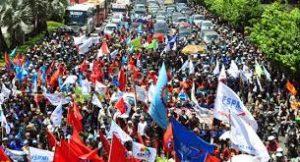 Sikapi Omnibus Law dan Kenaikan Iuran BPJS Kesehatan, Buruh Gelar Aksi Serentak di Seluruh Indonesia.