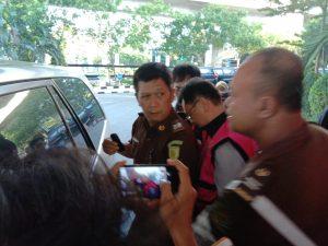 Diperiksa Sebagai Saksi Kasus Jiwasraya, Kliennya Eks Wakil Jaksa Agung Muchtar Arifin, Benny Tjokroputro Langsung Digelandang Masuk Bui.