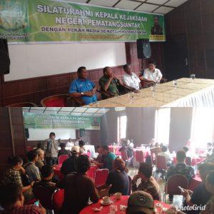 Kepala Kejaksaan Negeri Pematangsiantar (Kajari Siantar) Herrus Batubara menggelar acara silaturahmi dengan para jurnalis di Siantar Hotel, Jalan WR Supratman, Kota Pematangsiantar, Sumatera Utara, Jumat (14/02/2020).