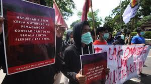 Ketua Umum Bintang Muda Indonesia (BMI) Farkhan Evendi: Tolak Ominus Law, Rakyat Tak Boleh Kalah Di Hadapan Pemodal. Usut Tuntas Penangkapan Buruh.
