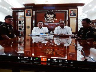 Indonesia Darurat Virus Corona, Persidangan Harus Jalan Terus. Jaksa Agung Republik Indonesia ST Burhanuddin Tantang Para Jaksanya Gelar Sidang Lewat Video Conference (Vicon).