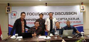 Sekjen Organisasi Pekerja Seluruh Indonesia (Sekjen Opsi) Timboel Siregar: Atasi Dampak Buruk Virus Corona, Alokasikan Anggaran Untuk Bantu Pekerja. Foto: Timboel Siregar dkk. (Istimewa).