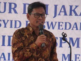 Sekretaris Jenderal Federasi Serikat Pekerja Metal Indonesia (FSPMI) Riden Hatam Aziz: Kurangi Kesulitan Hidup Akibat Dampak Buruk Virus Corona, Pemerintah Mesti Turunkan Harga BBM dan Tarif Dasar Listrik (TDL).