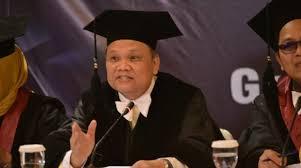 Komunikolog Dr Emrus Sihombing: Membahas Pancasila Sebagai Ideologi Tidak Tepat diatur Dalam Undang-Undang, Sebaiknya Diganti Dengan Rancangan Undang-Undang Haluan Ideologi Pancasila (RUU HIP). (Net)