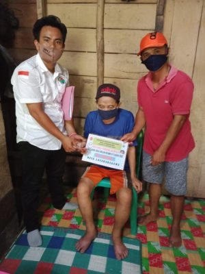 Kementerian Desa menggelar pembagian Bantuan Langsung Tunai (BLT) di Desa Lasarabagawu, Kecamatan Mandrehe Barat, Kabupaten Nias Barat, Provinsi Sumatera Utara, pada Jumat (24/07/2020).