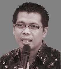 Tanggal 18 Agustus Hari Konstitusi, SETARA Institute Luncurkan Laporan Kinerja Mahkamah Konstitusi. – Foto: Direktur Eksekutif SETARA Institute yang juga Pengajar Hukum Tata Negara, Fakultas Syariah dan Hukum UIN Syarif Hidayatullah Jakarta, Dr Ismail Hasani. (Net)