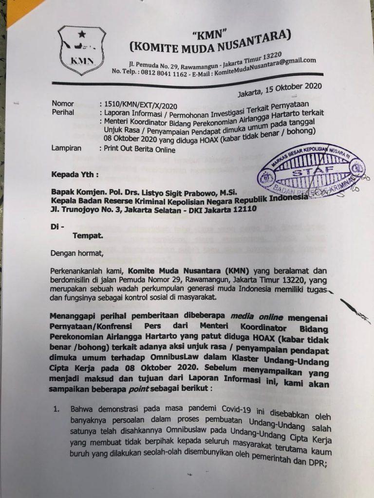Tak Bisa Buktikan Pendana Di Balik Demonstran Rusuh, Hoax Airlangga Hartarto Dilaporkan Ke Bareskrim Polri. – Foto: Komite Muda Nusantara (KMN) melaporkan Airangga Hartarto ke Bareskrim Mabes Polri, Kamis (15/10/2020).(Ist)