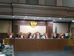 Vonis Hukuman Penjara Seumur Hidup Dijatuhkan Kepada Para Koruptor PT Asuransi Jiwasraya (Persero). – Foto: Sidang pembacaan vonis kepada para terdakwa kasus korupsi Rp 16,8 triliun di PT Asuransi Jiwasraya (Persero), di Pengadilan Tindak Pidana Korupsi (Tipikor) pada Pengadilan Negeri Jakarta Pusat, Senin (12/10/2020).(Ist)