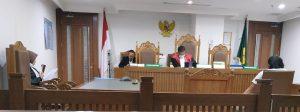 Aneh, Sidang Dengan Hakim Tunggal Kian Marak di PN Jakarta Pusat. – Foto: Suasana pada salah satu persidangan yang dipimpin Hakim Tunggal di Pengadilan Negeri Jakarta Pusat (PN Jakpus), Kamis 12 November 2020.(Ist)