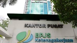 Perkembangan Pengusutan Skandal Korupsi di BPJS Ketenagakerjaan, Petinggi PT Samuel Sekuritas Digarap Jaksa. - Foto: Kantor BPJS Ketenagakerjaan.(Net)