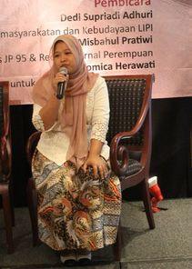 Peringati Hari Nelayan 2021, KIARA: Regulasi Yang Disusun Pemerintah Malah Ancam Ruang Hidup Nelayan Indonesia. - Foto: Sekretaris Jenderal Koalisi Rakyat untuk Keadilan Perikanan (Kiara), Susan Herawati Romica.(Net)