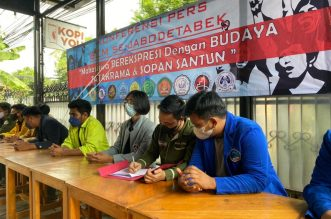 Hentikan Berolok-olok, Sejumlah BEM Kampus Swasta Tantang Mahasiswa BEM UI Selesaikan Persoalan Pandemi. - Foto: Konperensi Pers mahasiswa yang tergabung dalam Badan Eksekutif Mahasiswa Sejabodetabek, di Jakarta, Rabu (30/06/2021).(Ist)