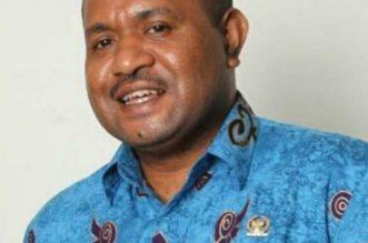 Singgung Isu Rasialis dan Sikap Diskriminatif, Senator Papua Barat Minta Mensos Risma Minta Maaf. - Foto: Mamberob Yosephus Rumakiek, Senator atau Anggota Dewan Perwakilan Rakyat Daerah Provinsi Papua Barat (DPD RI Asal Papua Barat).(Ist)